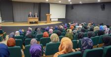 Rektör Alişarlı, İlahiyat öğrencileri ile buluştu