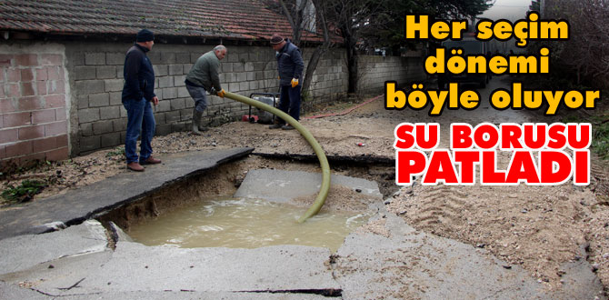 Su borusu bomba gibi patladı, yol çöktü, evi su bastı