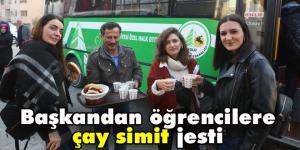 Bolu Belediyesi'nden BAİBÜ'lü öğrencilere çay simit ikramı