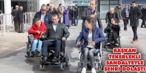 Bolu Belediye Başkanı tekerlekli sandalye ile şehri gezdi